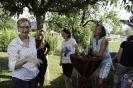 Brigitte, Sabine, Annette und Sandra, im Hintergrund Maggy und Ingrid am Herrichten
