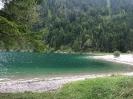 Schöner smaragdgrüner See