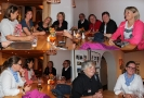Treffen an der Bar: Oben: Gabriela, Sandra, Sabine, Lilian, Brigitte, Maggy, Gabi Jolanda. Unten: Marina, Gabriela, Lilian, Brigitte, Ingrid mit Marina
